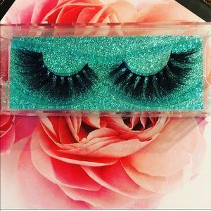 BellaVita mink lash strips. Quality lashes 100%